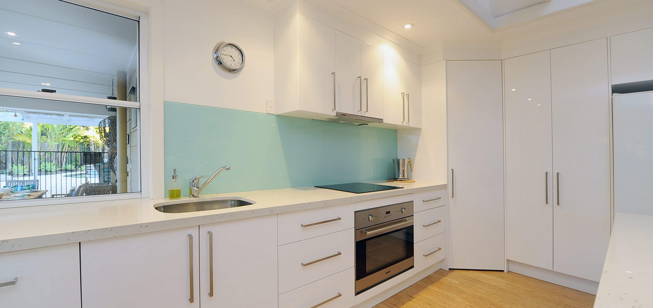 White Gloss Kitchen Quick
